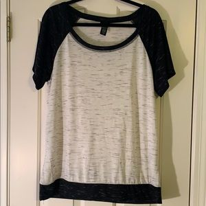 Torrid Black/Heather Grey Raglan Tee Size 1